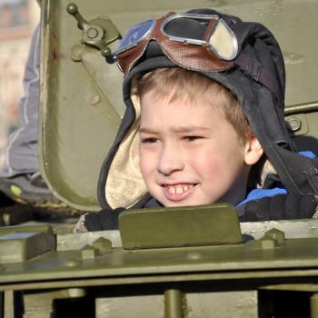 "Катание на танке Тариф ""Семейный"""