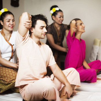 Традиционный тайский массаж для двоих 60 минут
