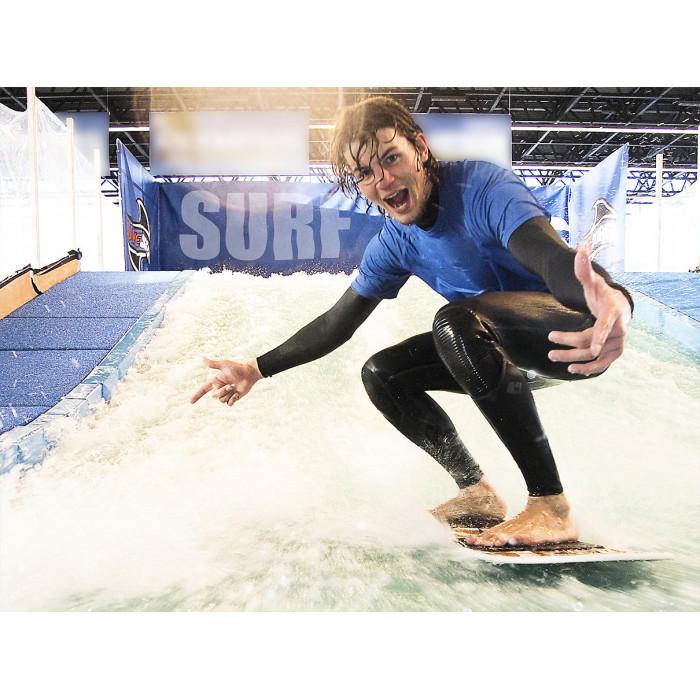 Катание на искусственной волне для серфинга
